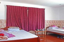 S-HT090006-Sell-GuessHouse-bed1