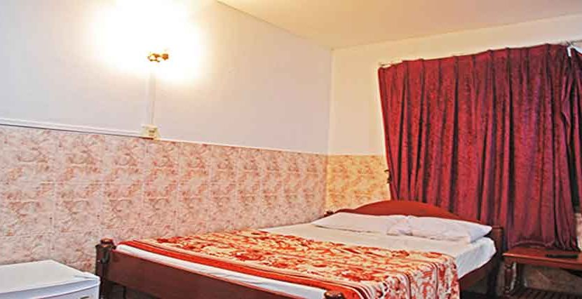 S-HT090006-Sell-GuessHouse-bed2