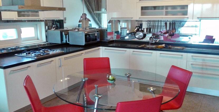 S-AP050004-Sell-Apartment-kitchen