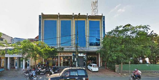 City Cat | 3 Commercial House For Rent
