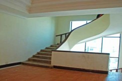 R-HT040006-rent-hotel-stair