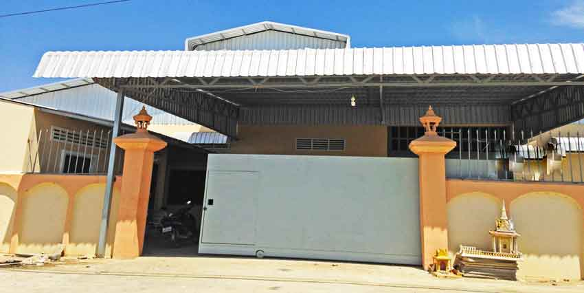 South Of Crown Beverage Cans | Warehouse For Rent