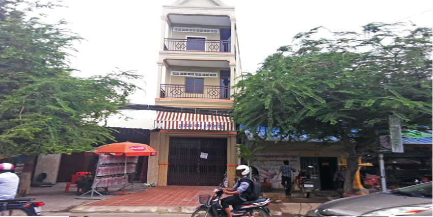 Old Stadium Roundabout  Row House For Rent